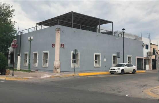 RENTA OFICINAS 100 M2 EN ESQUINA EN CENTRO HISTORICO CERCA DE ESTACIONAMIENTO